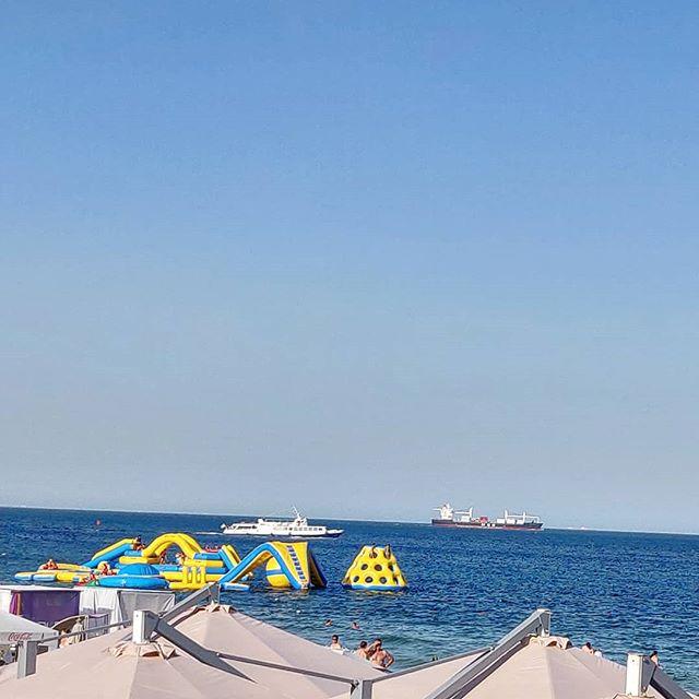 Новые атракционы в районе пляжа отрада