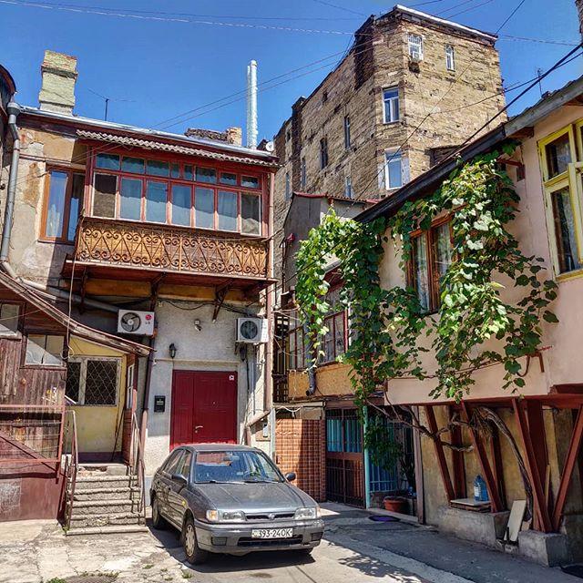 Типичный Одесский дворик, в котором есть для Вас квартира... Приезжайте в Гости 8)))