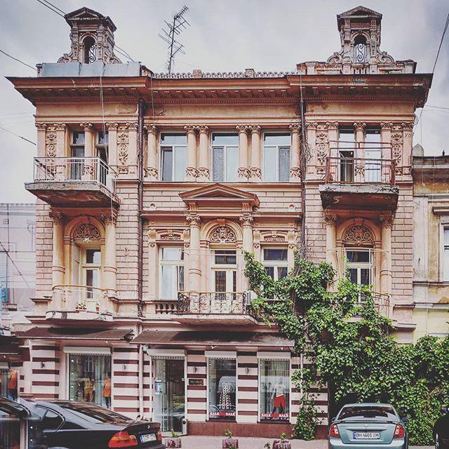 Греческая 36... Обожаю этот дом - особенно 3 этаж...
