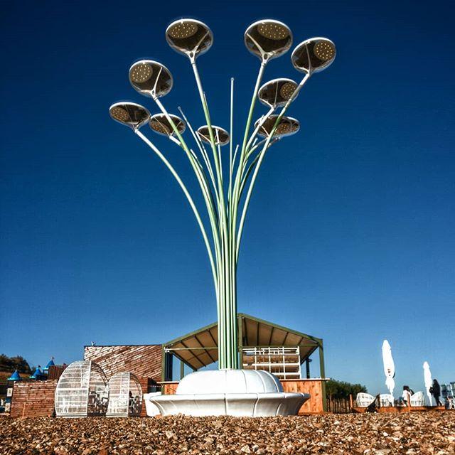 Идея освещения улиц города на солнечных панелях - почему только на Ривьере?!?